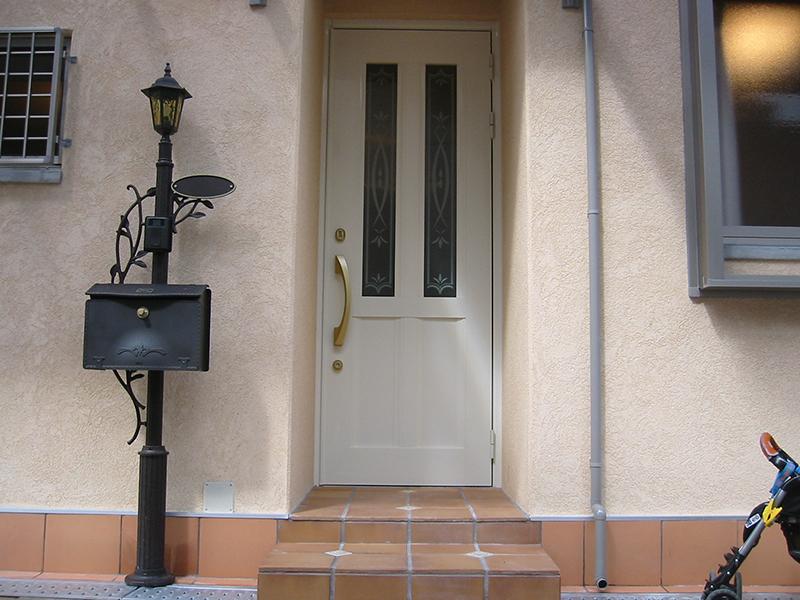 お母様の部屋への玄関です。