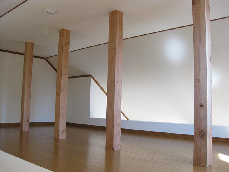 この部屋のロフトは洋室3,4の中心上部にあり、空間はつながっている。全体に閉鎖的でなく、開放的な空間とし、コニュニケーションが取れる工夫がなされている。