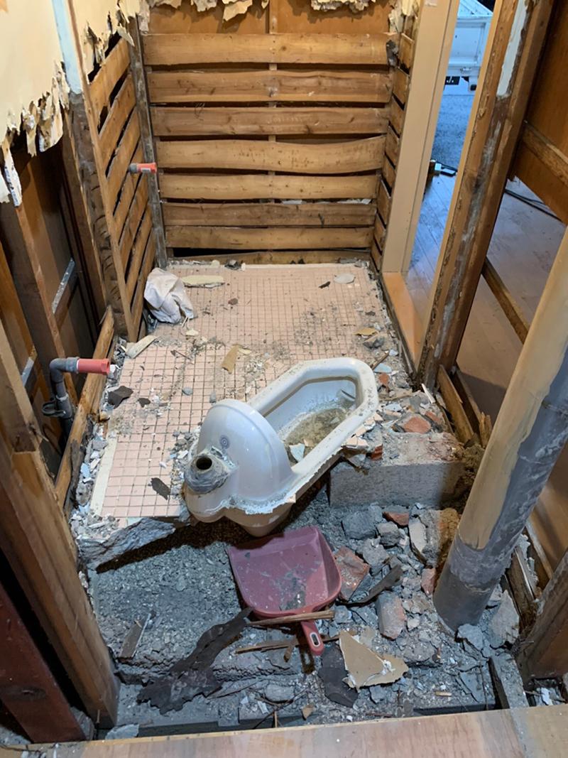 トイレ 解体