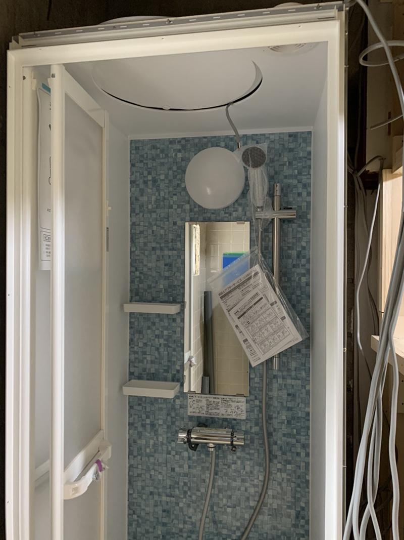 シャワーユニット施工③