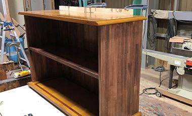 【大工の日常】ーブルの部材を使って本棚を作って欲しい ~ 日向ハウス社員のゆるゆるな時間